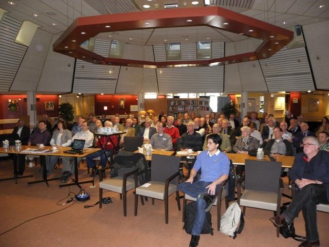 De aanwezige leden luisteren aandachtig naar de lezing van Ruurd (@SGLO - W. Buising)