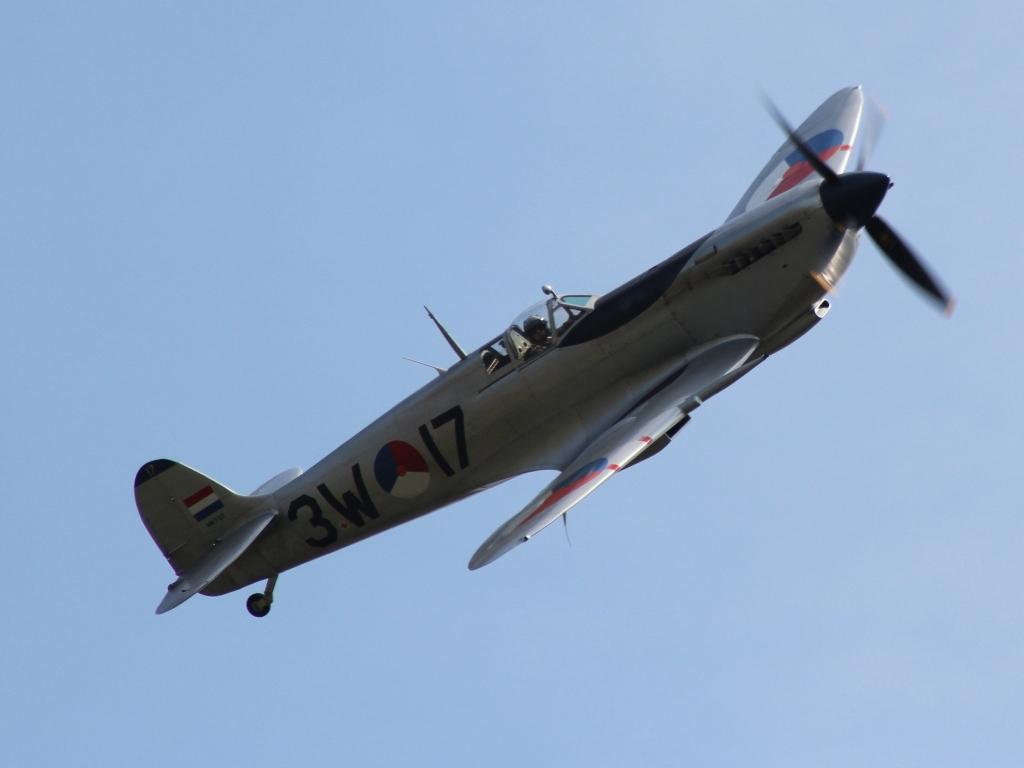 Spitfire (@ P. Righart van Gelder)